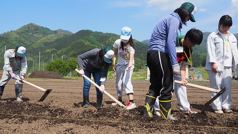 下高井農林高校の学生が野菜づくりを教える「百姓塾」がはじまりました