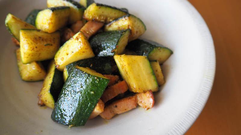 実は飯山らしい夏野菜、ズッキーニ
